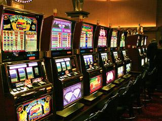 Закрыто 16 салонов, изъято 288 игровых автоматов